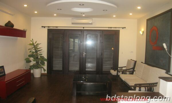 House in Au Co, Tay Ho for rent 2