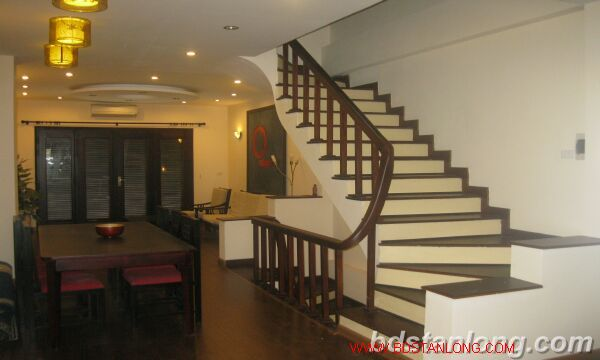 House in Au Co, Tay Ho for rent 4