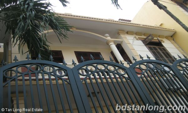 House in Tay Ho district for rent. 1