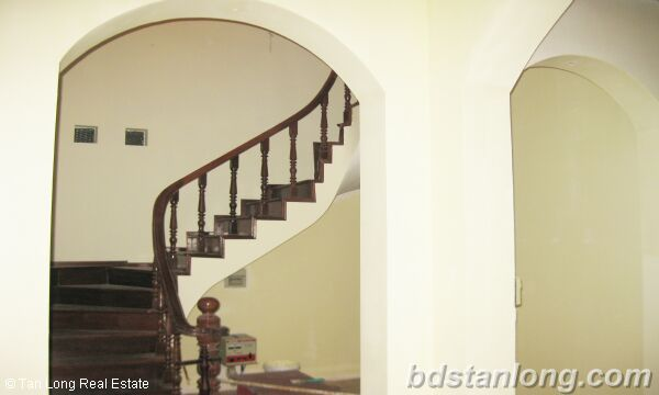 House in Tay Ho district for rent. 3