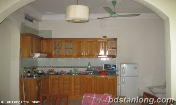 House in Tay Ho district for rent. 4