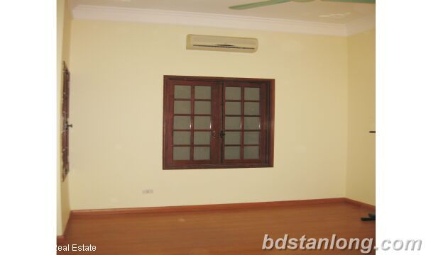 House in Tay Ho district for rent. 6