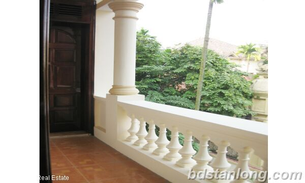 House in Tay Ho district for rent. 7