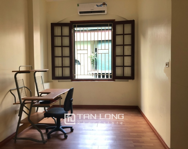 House on Xuan Dieu street for rent. 10