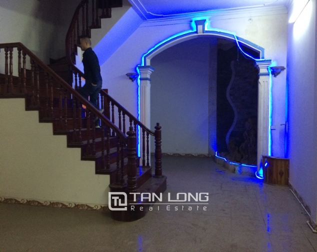 House to rent in Tran Duy Hung lane, 5 storeys 1