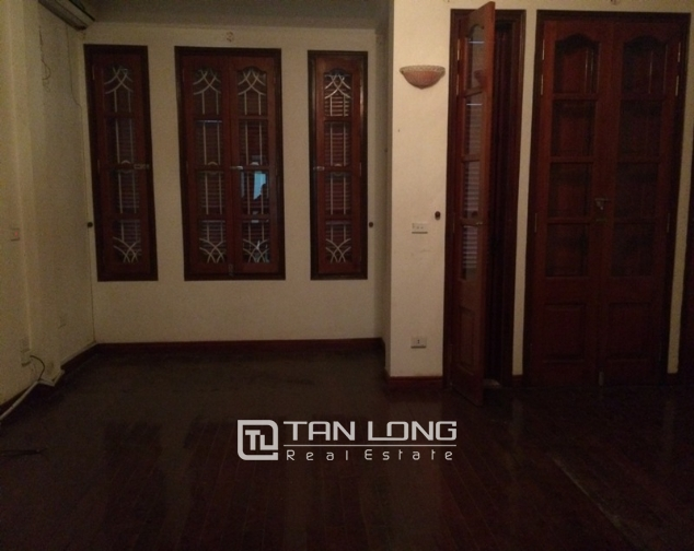 House to rent in Tran Duy Hung lane, 5 storeys 5
