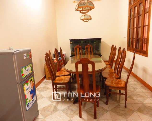 House to sell in Thong Phong lane, Ton Duc Thang street, 6 beds/ 3 baths 3