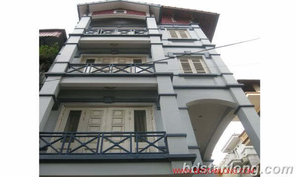 House with 3 bedrooms in Au Co street, Tay Ho for lease 1