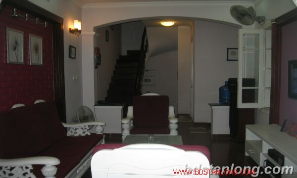 House with 3 bedrooms in Au Co street, Tay Ho for lease 3