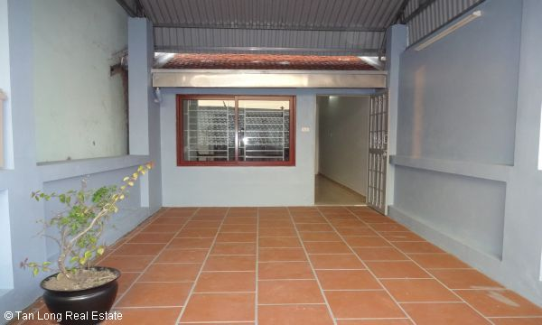 House with 4 bedrooms in Au Co street, Tay Ho for rent. 9