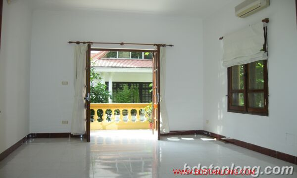 House with 4 bedrooms in To Ngoc Van alley, Tay Ho for rent 1