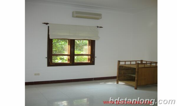House with 4 bedrooms in To Ngoc Van alley, Tay Ho for rent 4