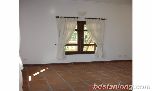 House with 4 bedrooms in To Ngoc Van alley, Tay Ho for rent 5