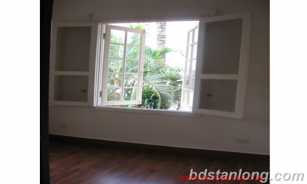 House with 4 bedrooms in To Ngoc Van alley, Tay Ho for rent 6