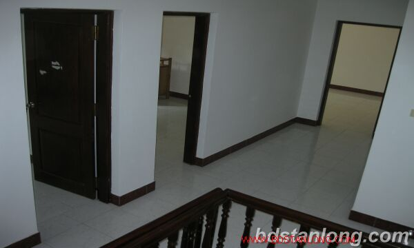 House with 4 bedrooms in To Ngoc Van alley, Tay Ho for rent 10