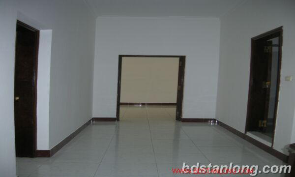 House with 4 bedrooms in To Ngoc Van alley, Tay Ho for rent 8