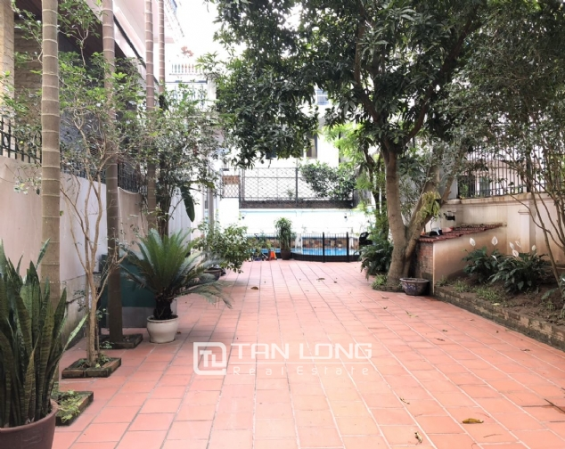 House with big yard and swimming pool for lease in Dang Thai Mai street, Tay Ho district! 4