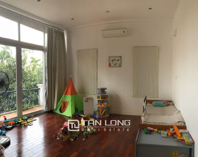 House with big yard and swimming pool for lease in Dang Thai Mai street, Tay Ho district! 6