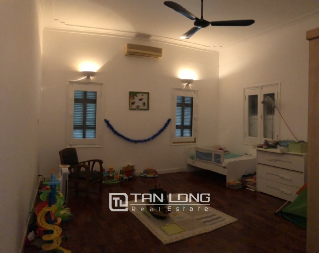 House with big yard and swimming pool for lease in Dang Thai Mai street, Tay Ho district! 9