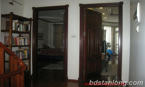 House with garage in To Ngoc Van, Tay Ho for rent 9