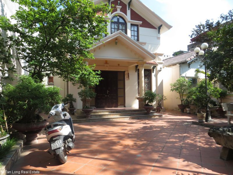 House with garden for rent in Bo De, Long Bien dist, Hanoi 2
