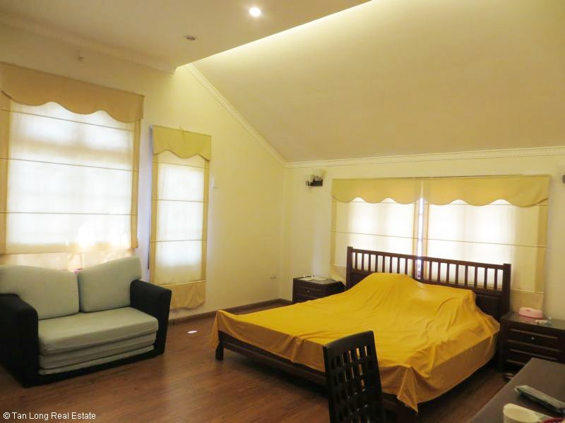 House with garden for rent in Bo De, Long Bien dist, Hanoi 3