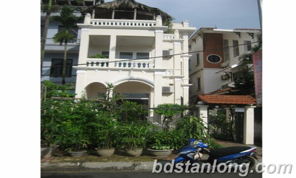 House with lake view for rent in Tay Ho district, Hanoi