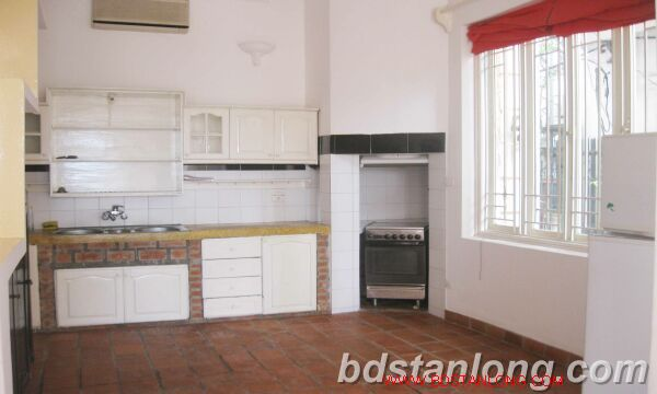 House with lake view for rent in Tay Ho district, Hanoi 5