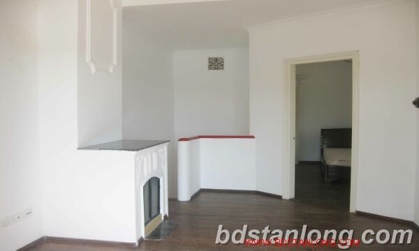 House with lake view for rent in Tay Ho district, Hanoi 6