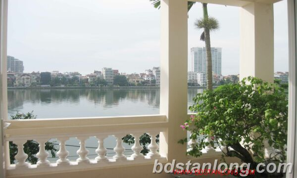 House with lake view for rent in Tay Ho district, Hanoi 10