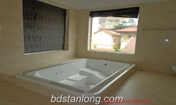 House with lake view in To Ngoc Van for rent 1