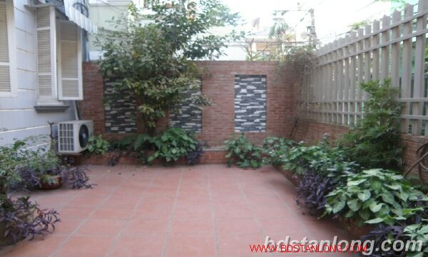 House with large yard in Nghi Tam street, Tay Ho for rent. 1