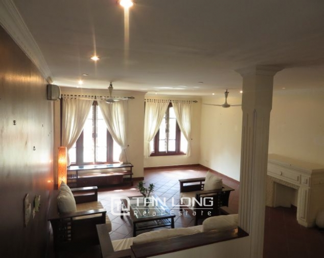 House with small yard for rent in To Ngoc Van str, Tay Ho dist, HN 10