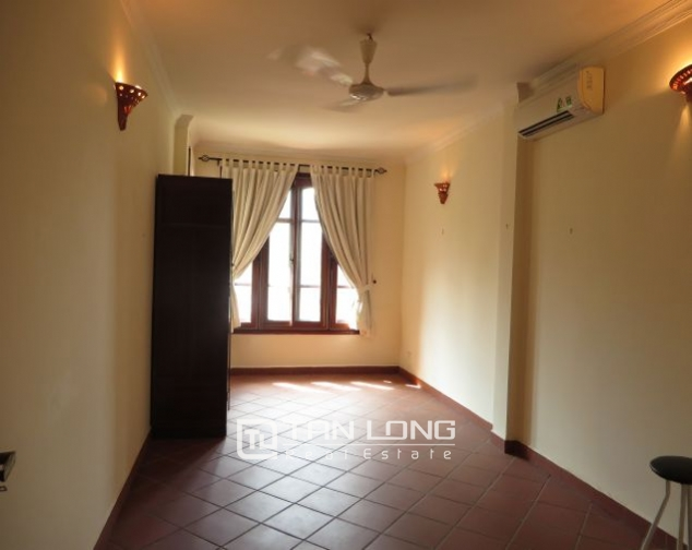 House with small yard for rent in To Ngoc Van str, Tay Ho dist, HN 8