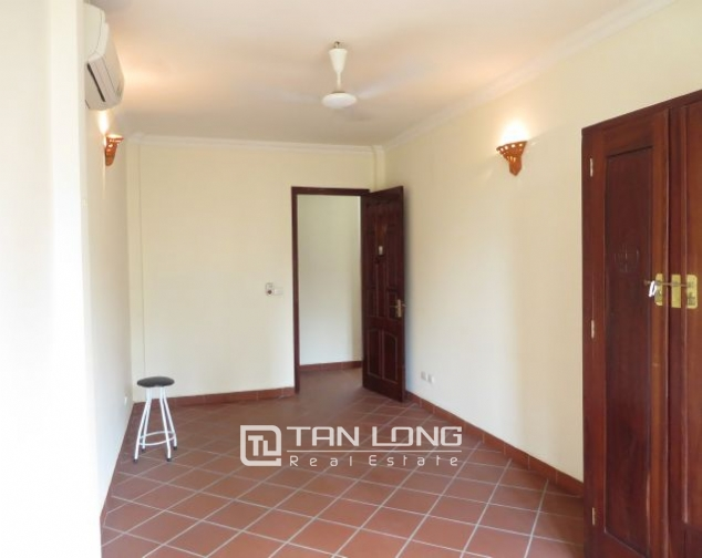 House with small yard for rent in To Ngoc Van str, Tay Ho dist, HN 9