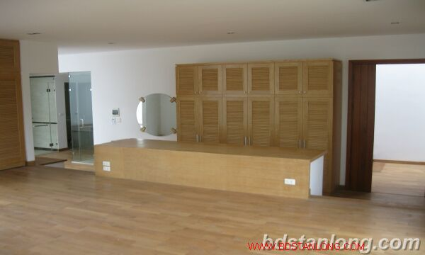 House with swimming pool in To Ngoc Van, Tay Ho for rent 10