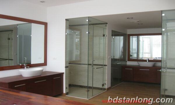 House with swimming pool in To Ngoc Van, Tay Ho for rent 2