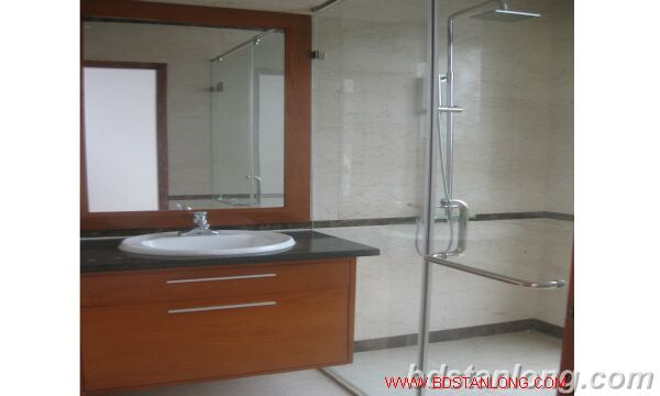 House with swimming pool in To Ngoc Van, Tay Ho for rent 5