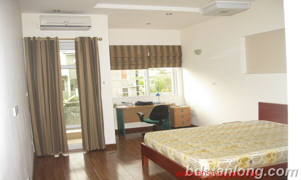 Houses in Tay Ho for rent 8
