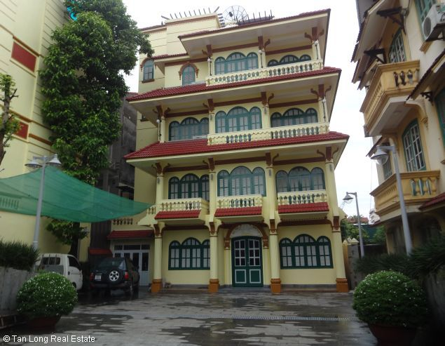 Huge house with large courtgard for lease in Au Co Westlake Hanoi 4