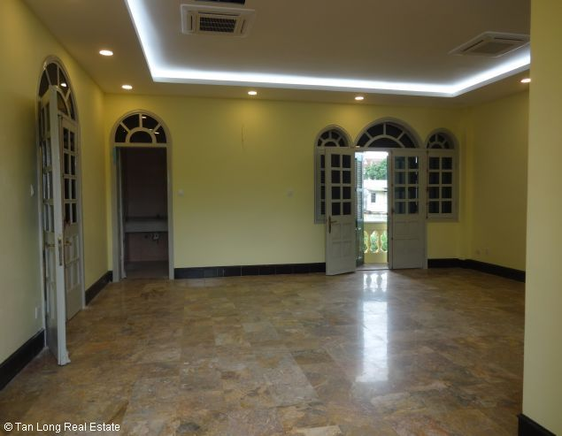 Huge house with large courtgard for lease in Au Co Westlake Hanoi 6