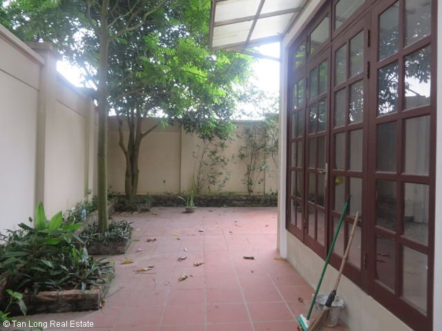 Huge villa with 5 bedrooms for lease in C7 Block, Ciputra, Hanoi 4