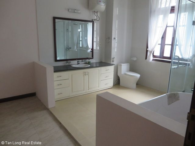 Huge villa with 5 bedrooms for lease in C7 Block, Ciputra, Hanoi 6