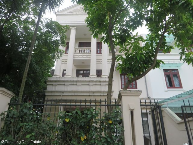 Huge villa with 5 bedrooms for lease in C7 Block, Ciputra, Hanoi 9