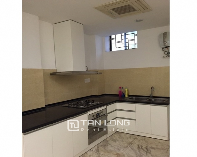Ideal house in Ngo Van So street, Hoan Kiem dist for lease 4