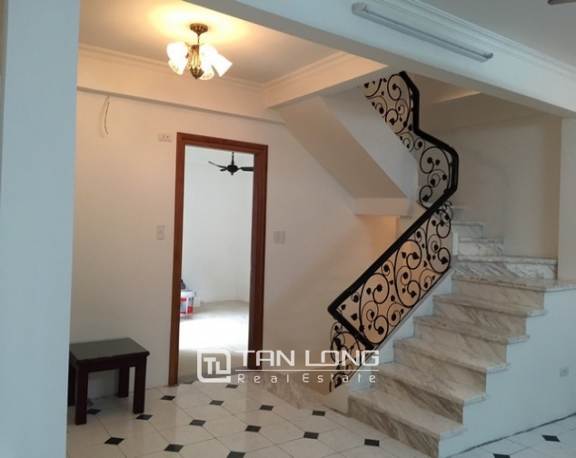 Ideal house in Ngo Van So street, Hoan Kiem dist for lease 6