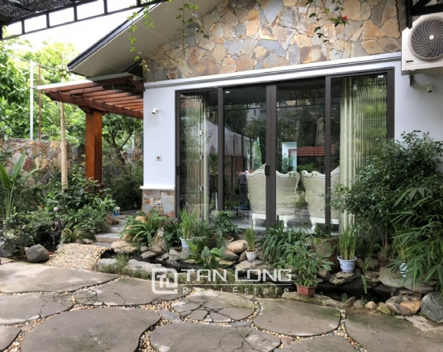 Incredible house for lease in Dang Thai Mai street! 2