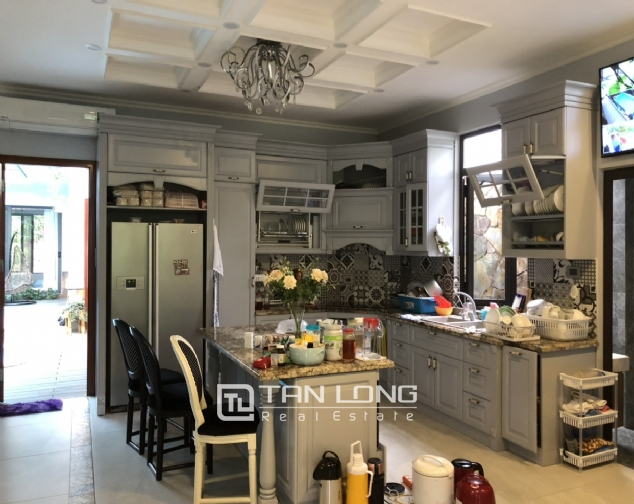 Incredible house for lease in Dang Thai Mai street! 6
