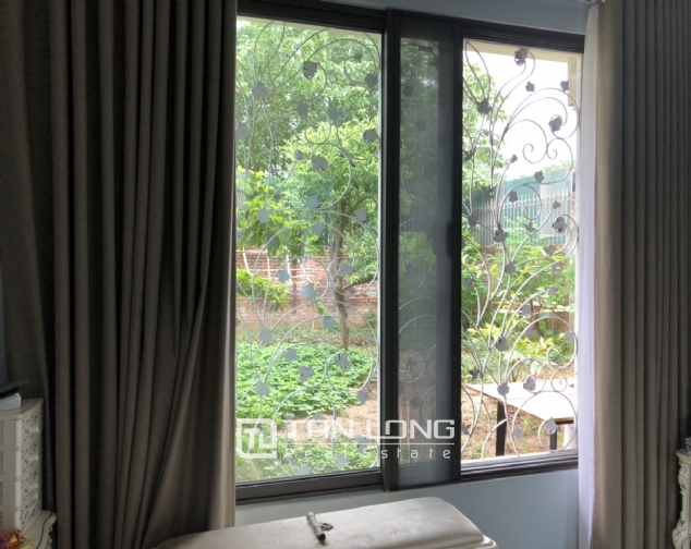 Incredible house for lease in Dang Thai Mai street! 1
