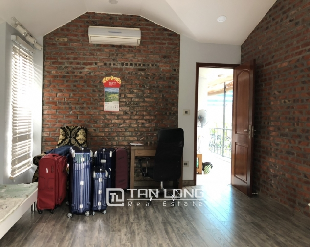 Incredible house for lease in Dang Thai Mai street! 5
